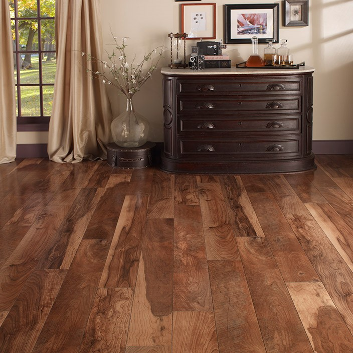Mannington Chateau Laminate room scene